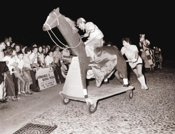 La cavalcata del Cole nella corsa dei Cavai 1987