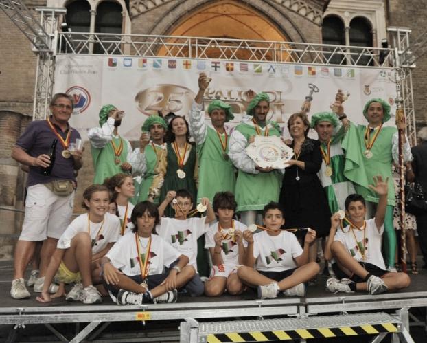 2011 - il 25° palio, vincitori del san Gualtero alle premiazioni del Baston
